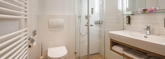 Bathroom of the double room Alpenzauber