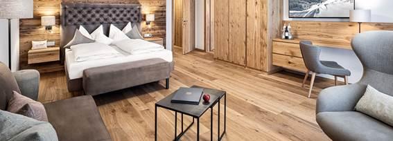 Wohn- und Schlafbereich von der XL Suite Sternenklar