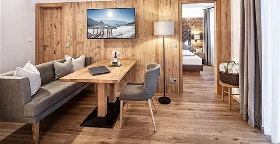 Living area of the suite Alpenzauber